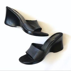 Bandolino Vintage Black Leather Wedge Slides 8